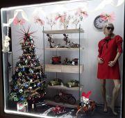 Concorso-vetrina-piu-bella-2-posto-Paride-concept-store-arzachena